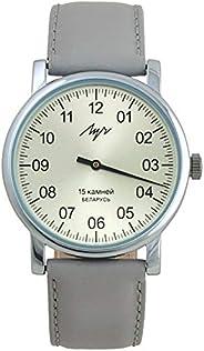 单手机械腕表。男士手表 38 毫米皮革表带。独特的单指针设计。手动上链俄罗斯机械腕表。口径 1801.1H。