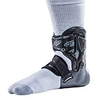Ultra Zoom 护踝,保护受伤,脚踝支撑,帮助防止扭伤脚踝。 不限制篮球、排球、橄榄球、足球等领域的保护和性能而无限制。 黑色 小号/中号