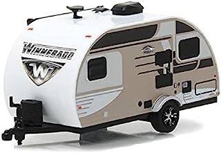 Greenlight 34040-C Hitched Homes 系列 3 - 2016 Winnebago Winnie Drop 旅行拖车 - 香槟色 1:64 比例