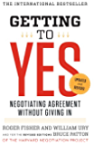 Getting to Yes: Negotiating Agreement Without Giving In (Eng…