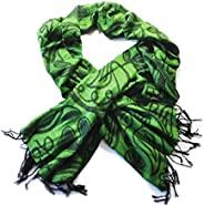 爱尔兰三叶草*和黑色围巾