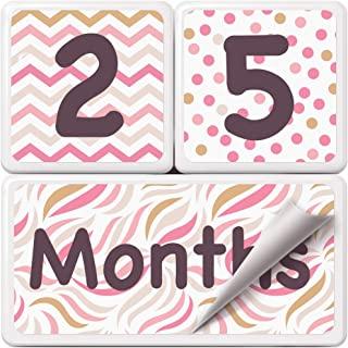 婴儿每月里程碑时代相片块 | 金色和粉色 | 优质实木带额外贴纸(数字和字词)| 整套周、月、年、年 | *好的婴儿派对礼物和照片共享道具