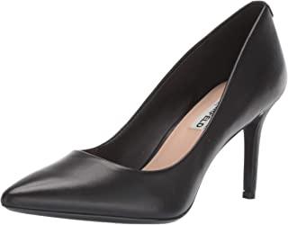 Karl Lagerfeld Paris 女士 Royale 高跟鞋