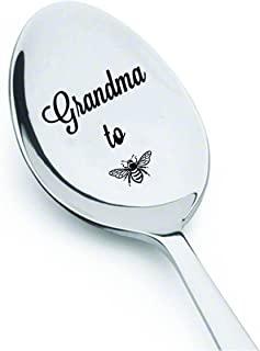 奶奶礼物 - 奶奶即将成为(蜜蜂)- 怀孕公布 - 婴儿沐浴礼物 - 不锈钢勺 - 女性的礼物 - 60 岁生日礼物 - 有趣的礼物 - 怀孕露出 - 17.78 厘米