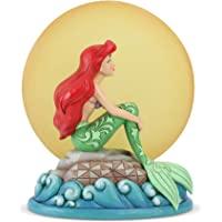 由 Jim Shore Ariel 坐在摇滚的 Enesco Disney Traditions by Moon Fig…