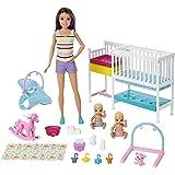Barbie 芭比 托儿所游戏套装 包括保姆娃娃,2个婴儿娃娃,婴儿床和10多件托儿所工作需要的婴儿用品和主题玩具,适合…