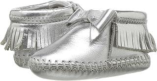 Minnetonka 女童 Rosie 短靴(婴儿/幼儿)