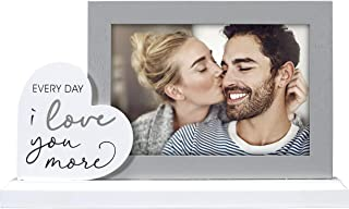 Malden International Designs 4x6 Every Day I Love You More 相框 灰色 MDF 木质框 白色中*纤维板 木质底座 白色 MDF 木质心形附件 带丝网印刷和银箔文本