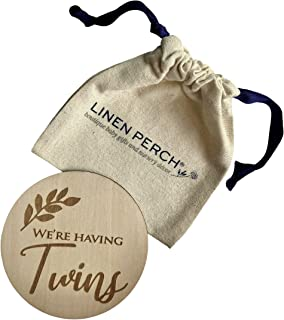 "Linen Perch 出生公告标志 - 个性化木质婴儿出生公告 - *新生儿标志 - 新生儿摄影道具 - 新生儿姓名标签 - ""We 're Having Twins"""