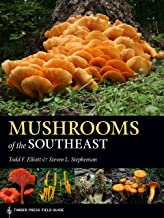 Mushrooms of the Southeast (A Timber Press Field Guide) (English Edition)