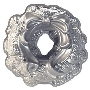 nordic ware heritage bundt tin cake pan holiday wreath christmas festive round circular nordicware